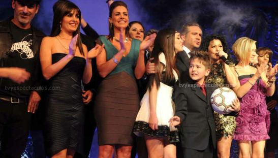 Francisco Céspedes en Una Familia con Suerte