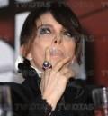 Veronica Castro fumando