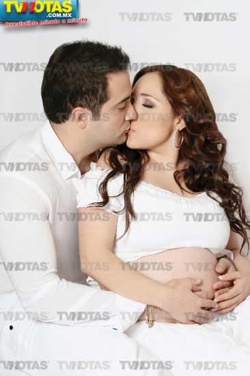 Myriam presume su embarazo de 6 meses