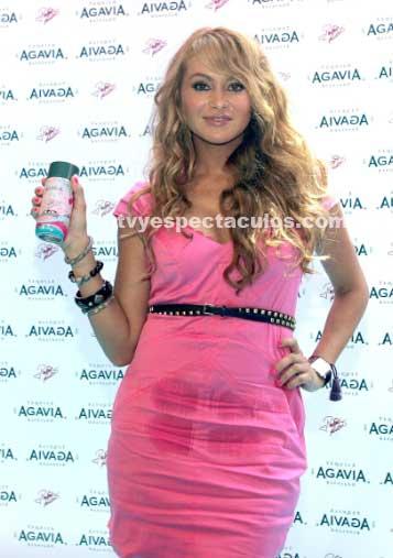 Paulina Rubio presentó su Tequila en México