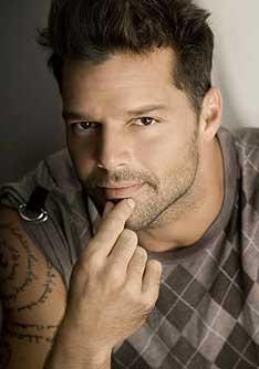 Ricky Martin se luce con regalo de cumpleaños a su novio