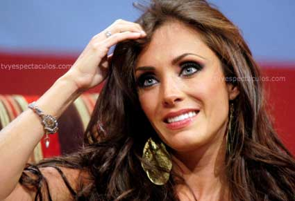 Anahí lanzará nuevo disco en Octubre