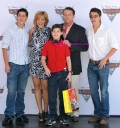 Alfredo Adame y su familia en Premier de Cars 2