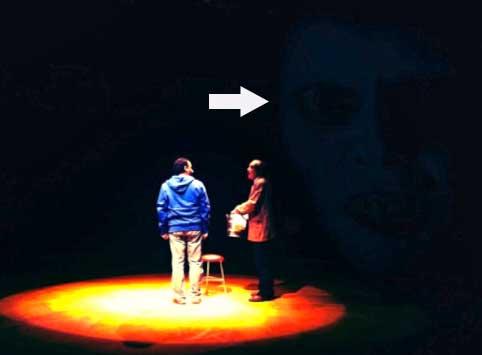 Facundo muestra imagen de fantasma en teatro