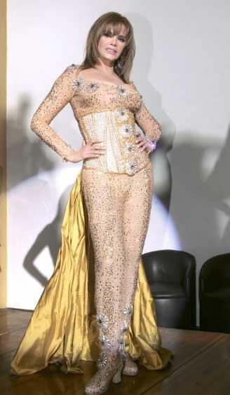 Lucía Méndez cancela show de Cabaret