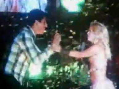 Fan da susto en el escenario a Shakira