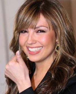 Demandan a Thalía por embarazarse