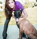 Eva Mendez con su perro