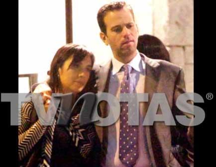 A Carlos Loret de Mola lo disculpó su esposa después del escándalo con Laura G