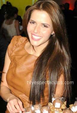 Claudia Álvarez en A la luz del Ángel