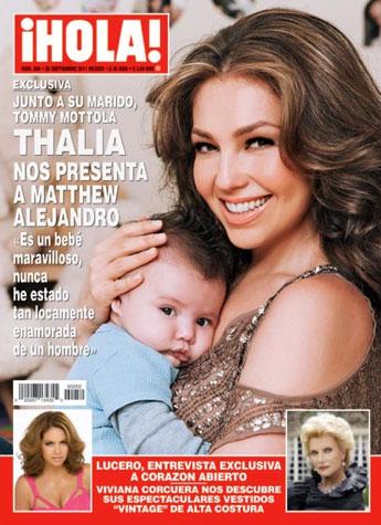 Thalía presenta a su hijo Matthew en Hola