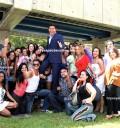 Protagonistas de Univisión con Ernesto Laguardia
