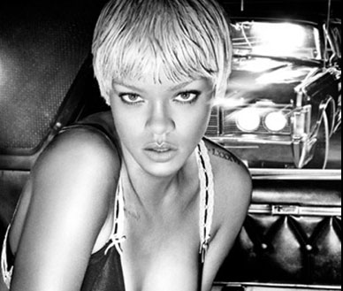 Rihanna en campaña de Armani Jeans