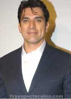 Jorge Salinas nuevamente hospitalizado