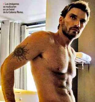 Toma Julian Gil fotos para su calendario 2012