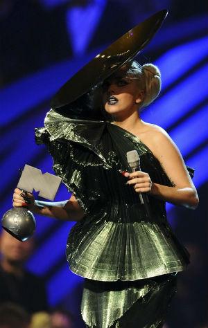 Lady Gaga la gran ganadora de los premios MTV EMA 2011