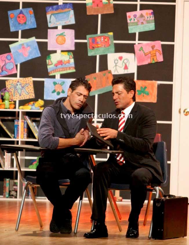 Fernando colunga con jhonny lozada en manos quietas tv y for Espectaculos televisa recientes