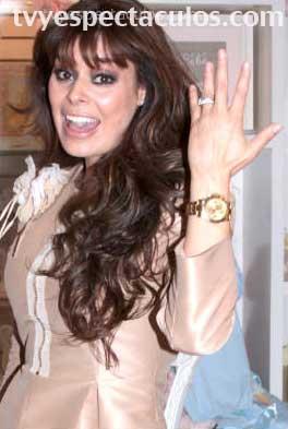Yadhira Carrillo se casa el 31 de marzo