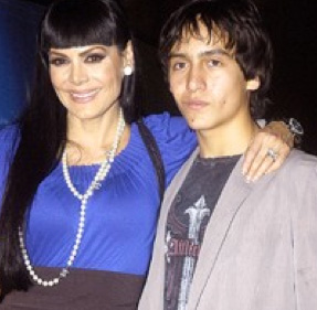 Atropellan a hijo de Maribel Guardia y Joan Sebastian