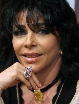 Verónica Castro pordría presentarse en La Academia 2011