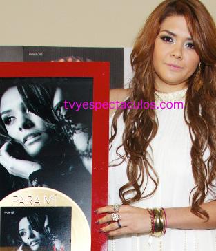 Yuridia presenta Para Mí y recibe reconocimiento por ventas