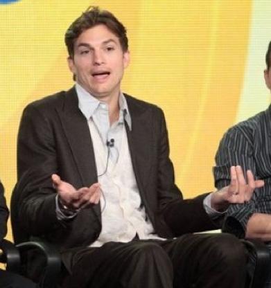 Ashton Kutcher con nuevo look