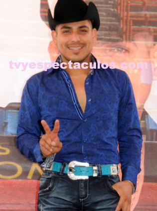 Espinoza Paz invita a su show en la Plaza de Toros