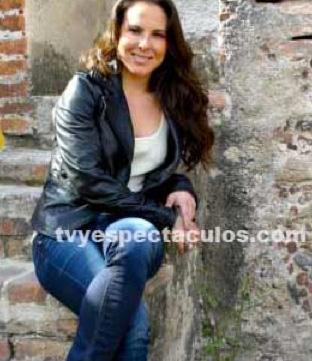 Crucifican a Kate del Castillo en Twitter