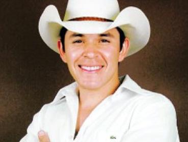 Feliz Cumpleaños a Raúl Sandoval
