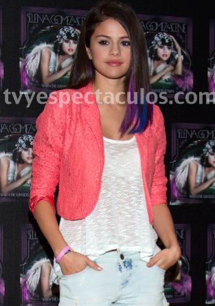 Selena Gomez satisface a sus fans en México