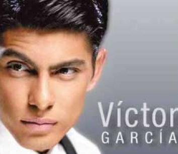 Víctor García como Stripper