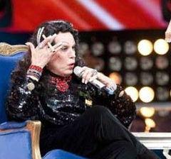 Juan José Origel es criticado por imitar a María Félix en Parodiando