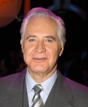Tv Azteca dice ser dueño del nombre de Rogelio Guerra