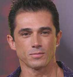 Sergio Mayer protagonizará la obra Defendiendo al Cavernícola