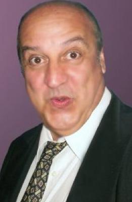 Julio Vega insiste en ser reconocido como hijo de Julio Alemán