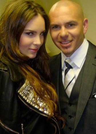 Pitbull grabó tema con Belinda