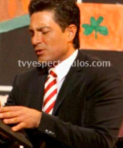 Fernando Colunga protagonista del remake de El Secretario que producirá Juan Osorio