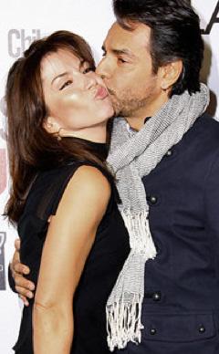 Eugenio Derbez y Alessandra Rosaldo se casarán por el civil en un avión
