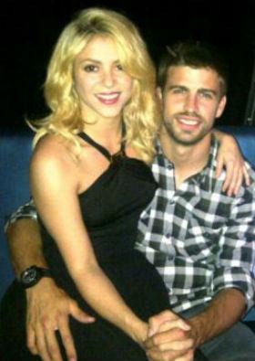 Padre de Shakira deja en duda embarazo de la cantante