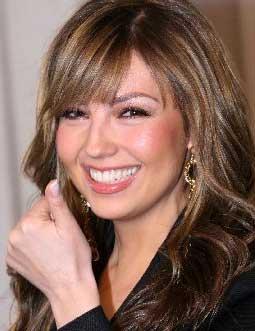 Thalía celebra 4 millones de seguidores con sus fans