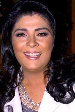 Victoria Ruffo protagonista del remake Corona de Lágrimas