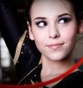 Danna Paola como gimnasta para Revista Quién