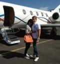 Ninel Conde viaja en avión privado con su esposo