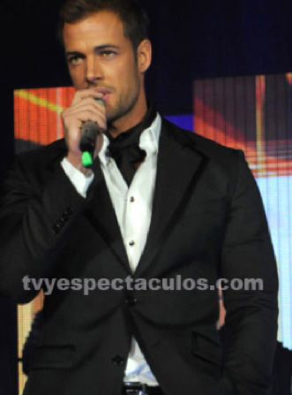 William Levy se prepara para debutar en Hollywood y en Dulce pájaro de juventud