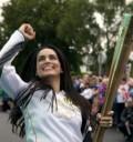 Ana de la Reguera con la Antorcha Olímpica