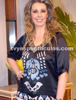 Atala Sarmiento se revela dispuesta a posar con poca ropa