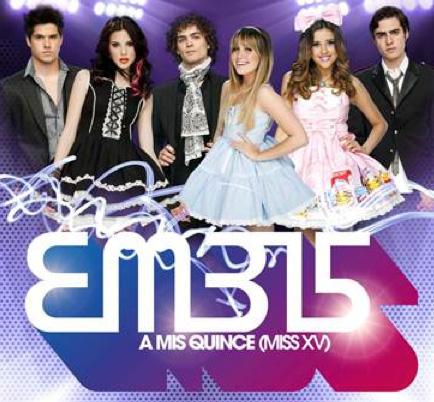 Firma de autógrafos de EME 15 en Plaza Patria