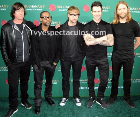 Maroon 5 reúne a famosos mexicanos por una buena causa