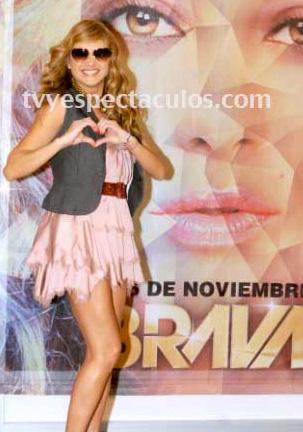 Paulina Rubio imagen de una nueva marca de cosméticos