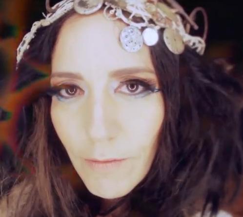 Escucha el nuevo sencillo de Stephanie Salas